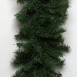 9 Foot Canadian Garland 35 Multi Lights