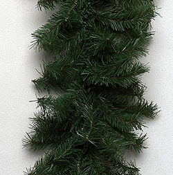 9 Foot Canadian Pine Garland 50 Muli Lights