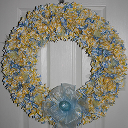 24 Inch Blue and Yellow Daisies Wreath