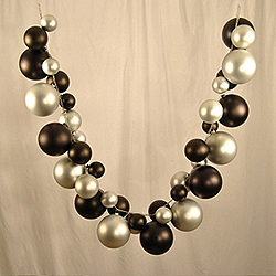 5 Foot Black And Silver Ball Garland
