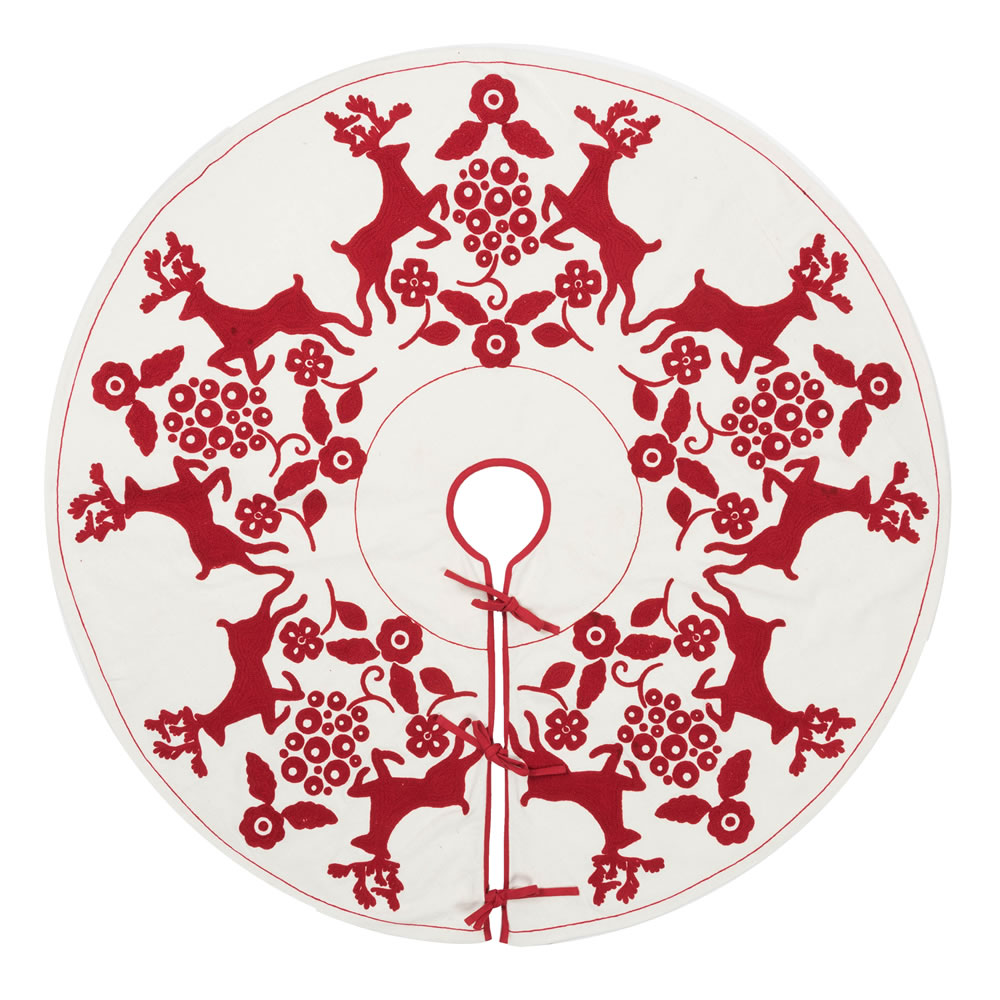 60 Inch White With Red Reindeer Design Cotton Scandia Decorative Christmas Tree Skirt