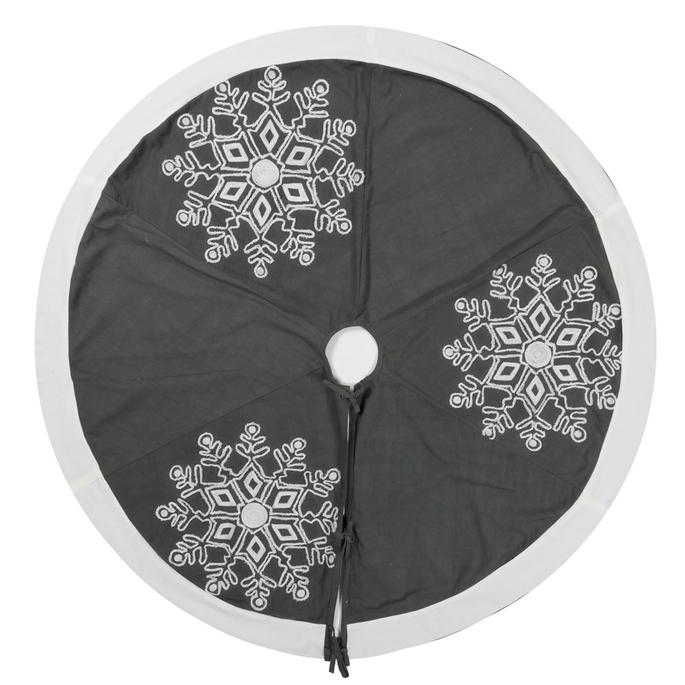 60 Inch Frosted Grey Duck Cloth Pure White Trim With Embroidered Motif Winter Snowflake Decorative Christmas Tree Skirt